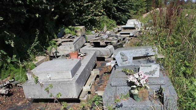 Comment choisir une pierre tombale d'occasion ?